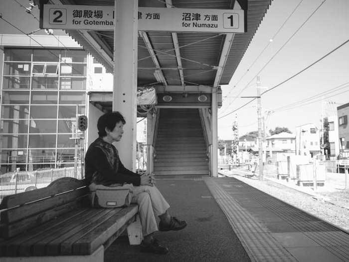 L'isolement social ou l'aliénation est en train de faire des ravages parmi les Américains et les Japonais.