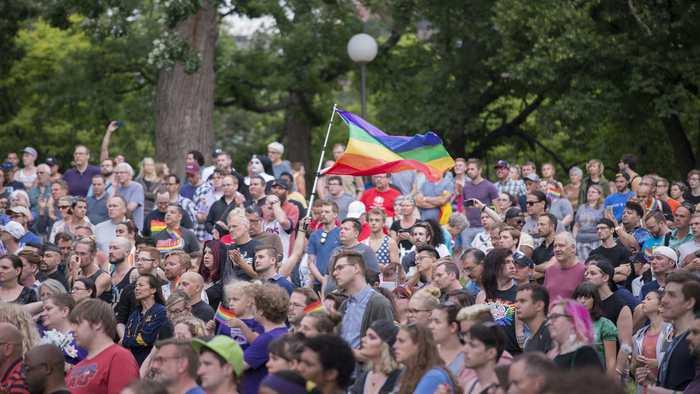 Rassemblement dans le Minnesota en hommage aux victimes de la fusillade d'Orlando. Fibonacci Blue/Flickr, CC BY-ND