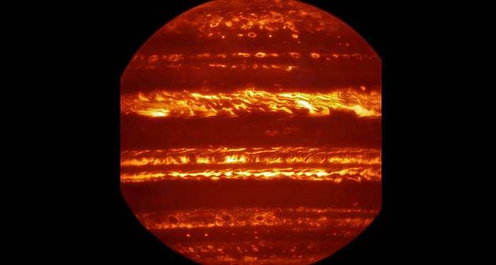 Des images en infrarouge de Jupiter pour la mission Juno