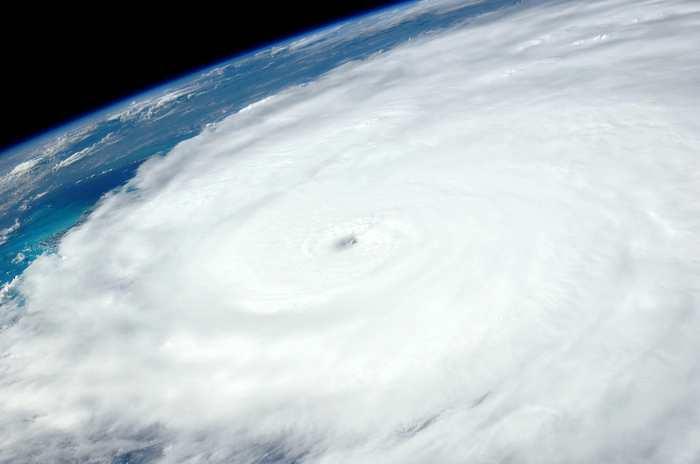 Des cyclones suffisamment puissants peuvent créer des vagues sismiques et des chercheurs démontrent qu'on peut utiliser ces vagues pour avoir un meilleur aperçu des profondeurs de la Terre.