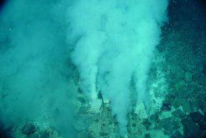L'origine de la vie. Issue d'une soupe primitive ou des cheminées hydrothermales au fond des océans ?