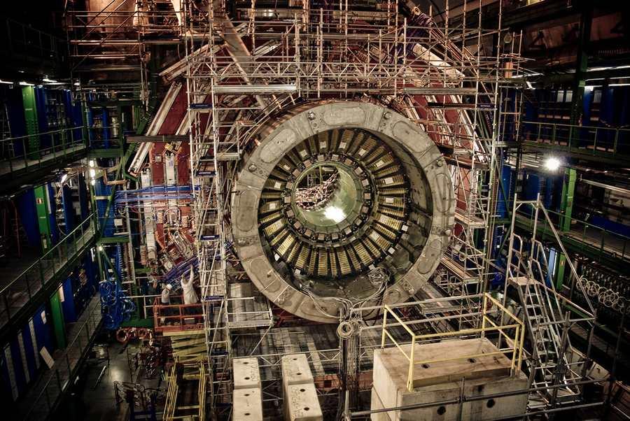 L'absence de nouvelles particules pour tenter de prouver la supersymétrie suggère que nous devons envisager d'autres hypothèses sur les phénomènes qui semblent poser des problèmes avec le modèle standard de la physique.