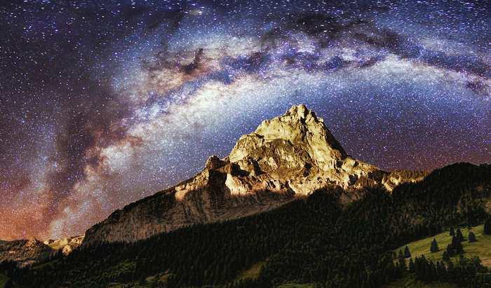Le 29 septembre 2016, on a célébré le Galactic Tick Day. Ce jour équivaut à une centiarcseconde de notre système solaire autour de la Voie lactée.