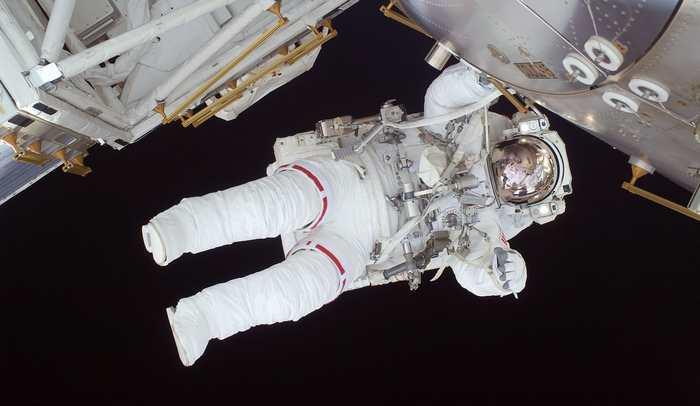 Une étude menée par la NASA suggère que les muscles qui soutiennent la colonne vertébrale rétrécissent pendant les voyages spatiaux de longue durée. Après l'effet nocif des rayons cosmiques sur le cerveau des astronautes, ce nouveau problème augmente la difficulté des voyages vers Mars.