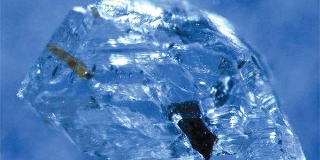 De l'eau découverte à une profondeur de 1000 km sous terre