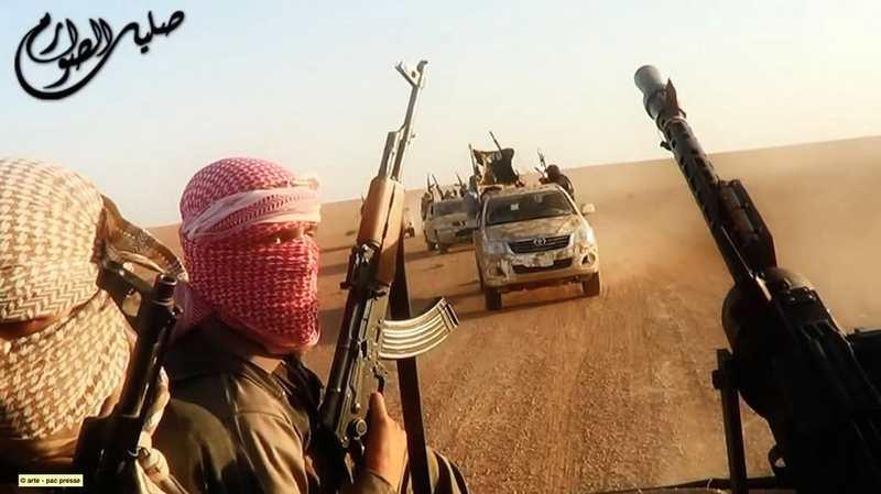 """Le livre """"Les Revenants"""" de David Thomson propose une plongée sans concession sur ces français qui sont parti en Syrie pour rejoindre Daech."""