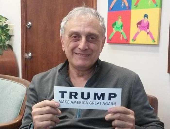 Carl Paladino est l'ancien co-président de la campagne de Donald Trump dans l'Etat de New York. Dans une réponse à un média, il a déclaré qu'il espère qu'en 2017, Barack Obama va mourir de la vache folle et que Michelle Obama devrait aller vivre dans une grotte avec un gorille.