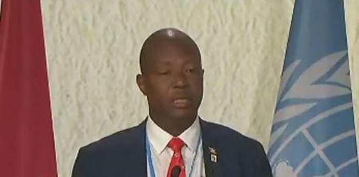 Emmanuel Niyonkuru, ministre de l'Environnement du Burundi a été assassiné le dimanche 1er janvier 2016 alors qu'il rentrait son domicile. Un épisode de plus dans la crise politique actuelle du Burundi.