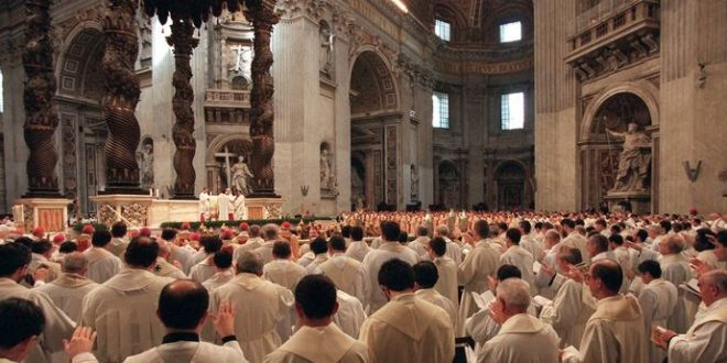 Comment le célibat est-il devenu obligatoire pour les prêtres catholiques ?
