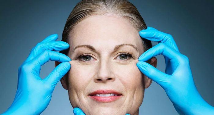 Un rapport de l'American Society of Plastic Surgeons (ASPS) révèle que les Américains ont dépensé 16 milliards de dollars en chirurgie esthétique en 2016.