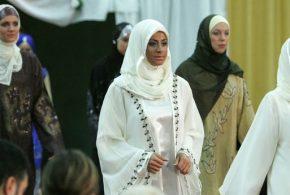 Comment le Hijab, accessoire traditionnel de la pratique islamique, est-il devenu une industrie de la mode en quelques années ?