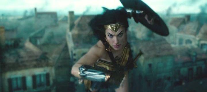 Tout le monde s'accorde à dire que la Warner et DC Comics a trouvé leur film de référence avec Wonder Woman. Mais est-ce que c'est vrai ?