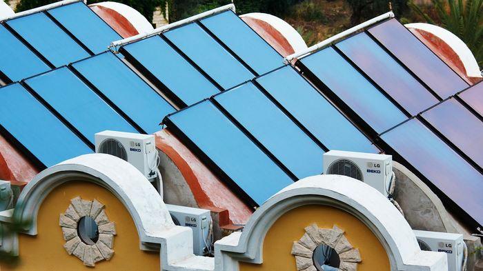 Un papier par plusieurs chercheurs propose une feuille de route pour que 139 pays passent entièrement à l'énergie solaire, éolienne et hydraulique d'ici 2050.