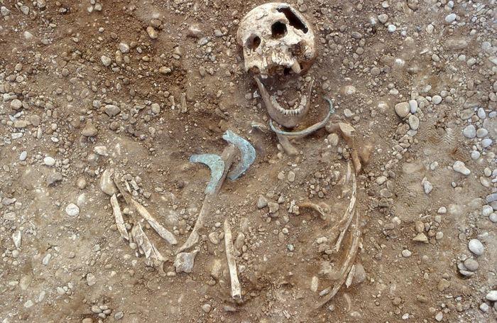 Il y a 4 000 ans, une femme européenne a voyagé très loin pour fonder de nouvelles familles en apportant de nouveaux objets et idées culturelles - Crédit : Stadtarchaeologie Augsburg