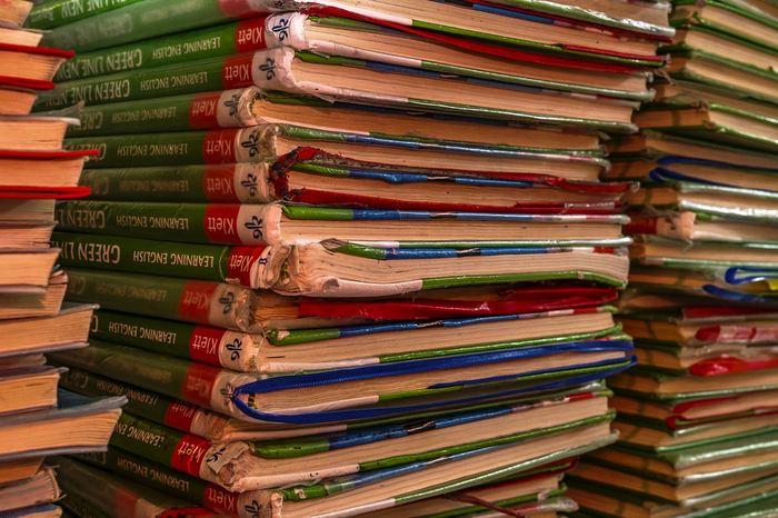 Une recherche suggère que les chercheurs des pays riches et pauvres utilisent les revues prédatrices pour publier leurs papiers scientifiques. Cela contredit la croyance selon laquelle seuls les chercheurs dans les pays pauvres sont piégés par le Predatory Publishing. L'Inde et les États-Unis sont en tête des papiers qui sont présents dans les revues prédatrices.