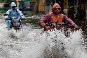 L'arrivée de cyclones de catégorie 4 dans le cadre d'Harvey et de catégorie 5 pour Irma a provoqué des inondations dans de nombreux pays tels que l'Inde, le Bangladesh, dans la ville de Houson, Macao, Hong-Kong ou encore le Népal. Cela présage des conditions météorologiques extrêmes, des inondations qui vont devenir de plus en plus fréquentes et il faut que les villes se préparent face à ces événements qui sont alimentés par le changement climatique entropique.