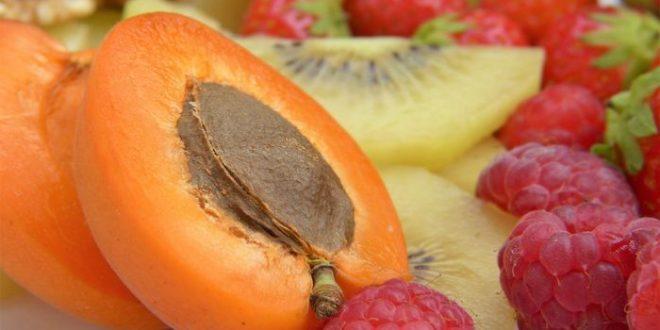 Empoisonnement au cyanure après une consommation prolongée de noyaux d'abricots