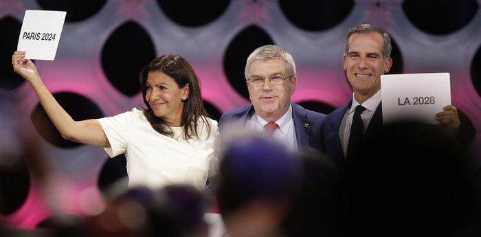 Thomas Bach, le président du Comité international olympique, a des raisons d'être beaucoup plus content que les maires de Paris et de Los Angeles pour organiser les Jeux olympiques - Crédit : AP Photo/Martin Mejia