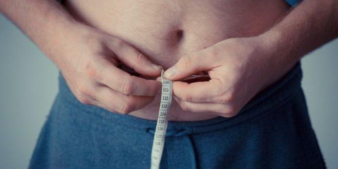 Des pistes pour réduire la graisse sur le ventre des personnes âgées