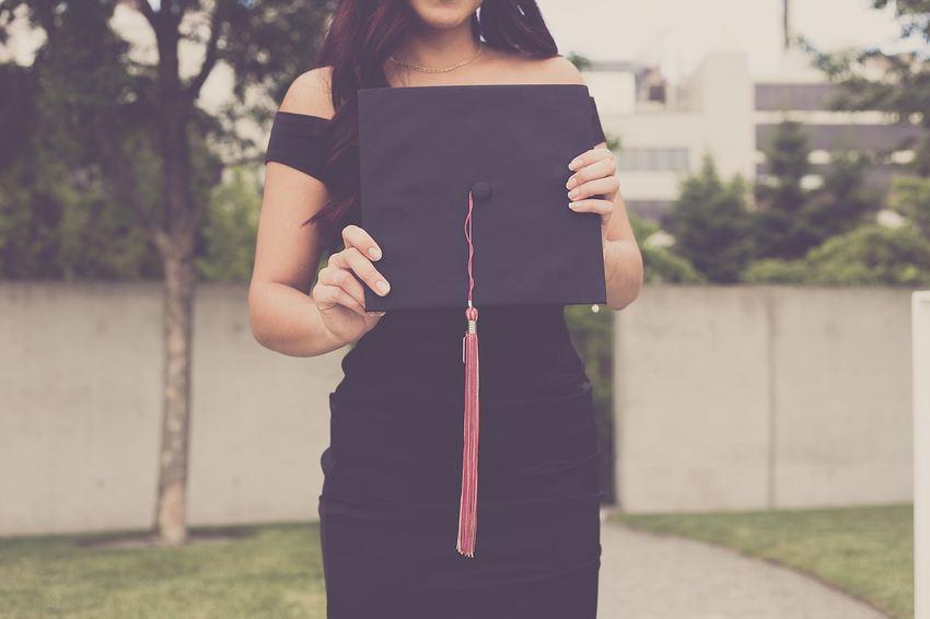 Est-ce qu'un diplôme vous donne un meilleur salaire de Freelancer ?
