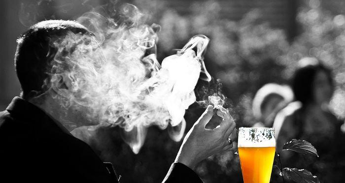 Le Centre de toxicomanie et de santé mentale (CAMH) en Ontario vient de publier l'une des plus longues études systématiques sur la consommation des drogues, de l'alcool et du tabac. Cette étude concerne les élèves de la 7e à 12e année et elle est suivie depuis 1977. Les résultats montrent que l'alcool, la drogue et le tabac enregistrent des baisses significatives, mais les opiacés comme le Fentanyl enregistrent une hausse.
