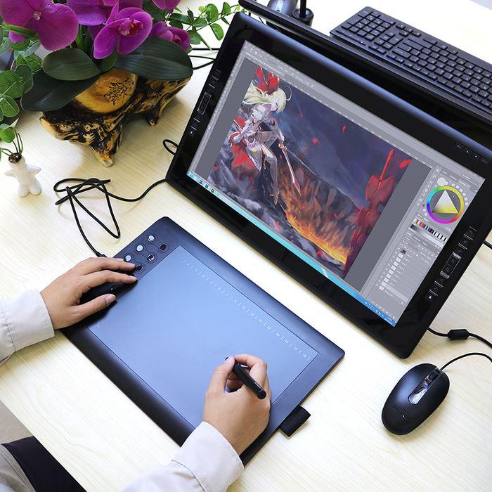 La Tablette graphique GAOMON M106K vous permet de bien dessiner en étant à un prix abordable. Ce modèle d'entrée de gamme convient bien aux débutants, mais également aux dessinateurs intermédiaires.