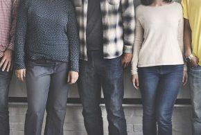 Une enquête du Pew Center révèle que la discrimination envers les femmes dans les métiers du STEM, notamment en informatique est toujours aussi importante. La discrimination envers les minorités ethniques est également considérable.