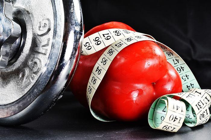 Une nouvelle étude démystifie le paradoxe de l'obésité, une constatation contre-intuitive qui montre que les personnes, ayant reçu un diagnostic de maladie cardiovasculaire, vivent plus longtemps si elles sont en surpoids ou obèses par rapport aux personnes de poids normal au moment du diagnostic.