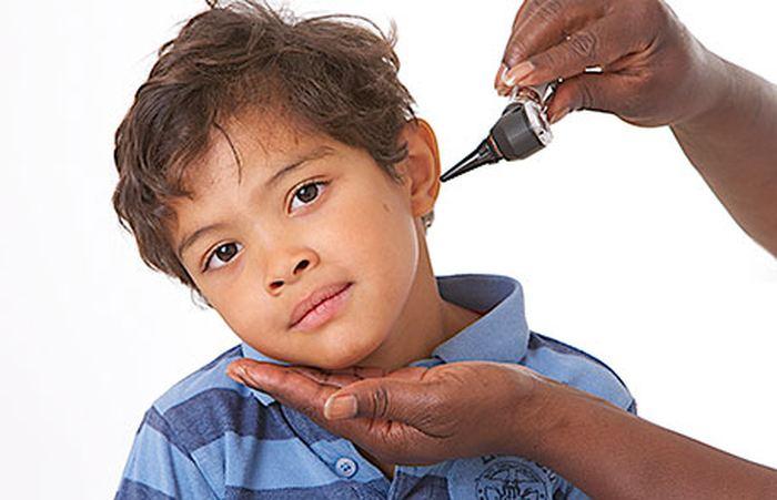 Les récentes épidémies d'oreillons aux États-Unis chez des populations pourtant vaccinés suggèrent une perte de l'immunité vaccinale après 27 ans. Cela peut mener à des recommandations pour des vaccinations de rappel ou une nouvelle vaccination à 18 ans pour maintenir la protection.