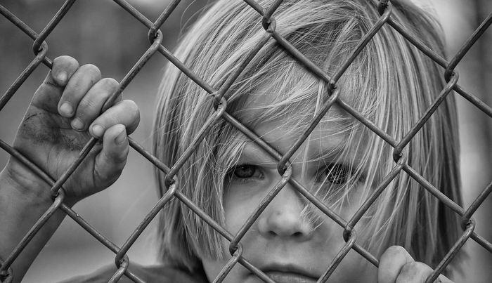 Un nouveau rapport CDC, qui utilise la recherche de l'Université Rutgers, montre une augmentation significative d'enfants de 8 ans atteints de troubles du spectre autistique (TSA) aux États-Unis. Désormais, les USA ont un taux national d'autisme de 1,7 % de la population.