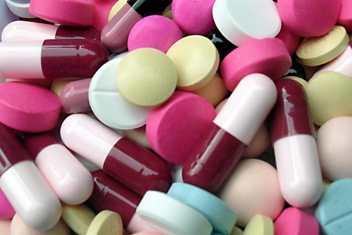 Une nouvelle étude publiée dans JAMA Pediatrics montre que depuis 2003, l'utilisation de médicaments alternatifs, tels que les produits à base d'herbes et les nutraceutiques, a doublé chez les enfants. Les chercheurs de l'Université de l'Illinois à Chicago ont indiqué que l'obtention d'acides gras oméga-3 et de mélatonine chez les adolescents de 13 à 18 ans constituait le principal moteur du changement malgré les recommandations cliniques contre l'utilisation de tels suppléments chez les enfants.