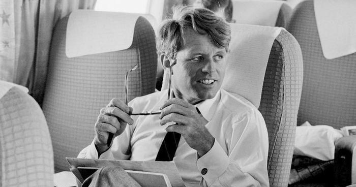 Le mois de juin 2018 marque la 50e commémoration de l'assassinat de Robert F. Kennedy. À cette occasion, des chercheurs passent en revue les traitements cliniques et l'autopsie qui ont été effectués après l'attaque.