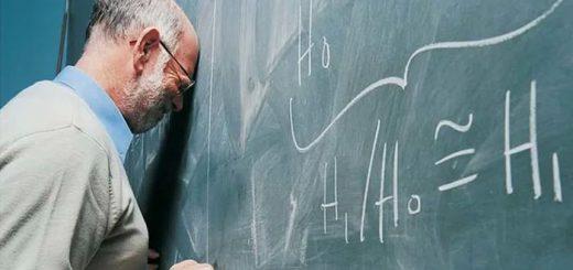 Des objectifs de performance, une charge de travail accrue, des modifications du curriculum et d'autres modifications bureaucratiques érodent l'identité professionnelle des enseignants et nuisent à leur santé mentale, révèle une nouvelle étude dans Educational Review.