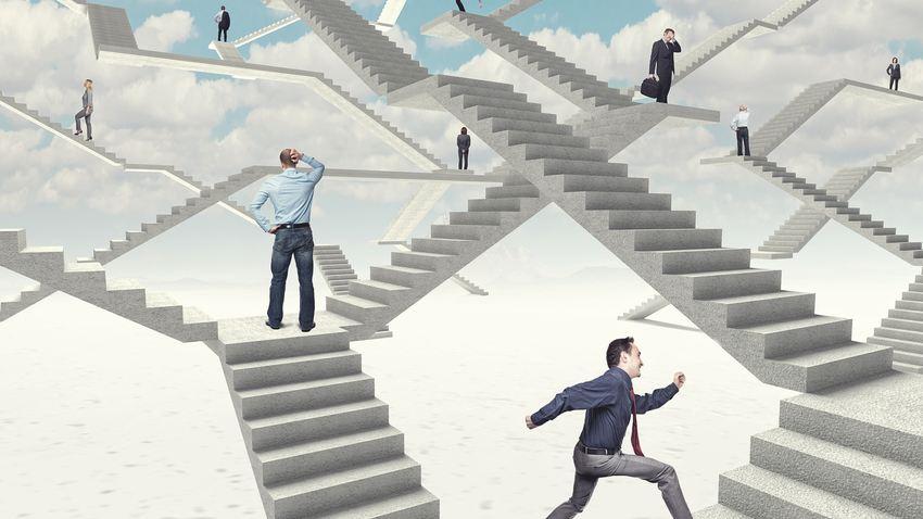Le management, les logiques de marché, les contraintes ont débarqués dans toutes les professions. Médical, éducatif, etc. Le néolibéralisme a sacrifié le professionnalisme, mais on peut le réanimer avec des changements de mentalité des professionnels sur leurs rôles.