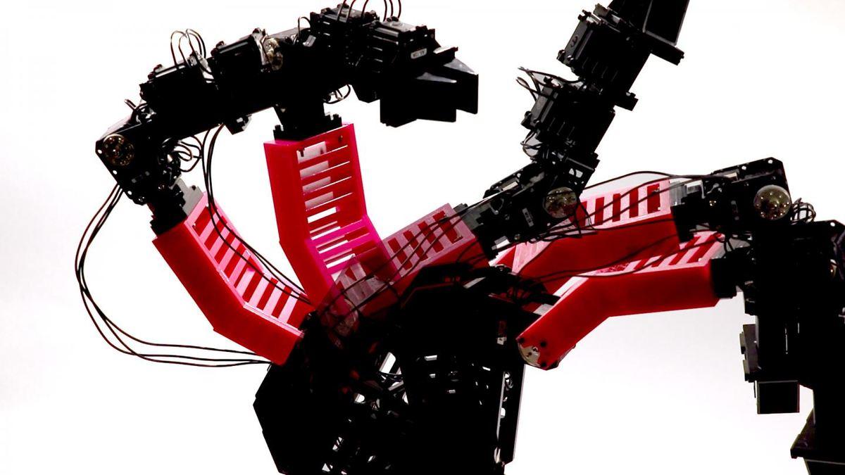 Une image du bras robotique déformé dans plusieurs poses alors qu'il collectait des données par un mouvement aléatoire - Crédit : Robert Kwiatkowski/Columbia Engineering