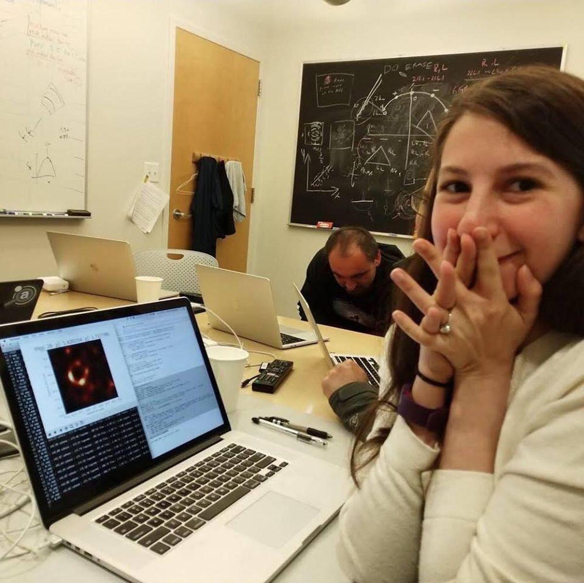 La Dre Katie Bouman, l'informaticienne qui a développé l'algorithme qui a permis de créer la première image d'un trou noir.