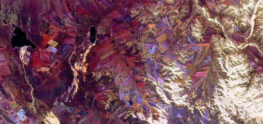 Image spatiale de la république autonome de Tuva, sujet de l'intérêt intense de Richard Feynmann pendant la dernière partie de sa vie et documenté dans Tuva or Bust ! par Ralph Leighton. Photo prise de la navette spatiale Endeavour en 1994. Crédit : NASA/JPL