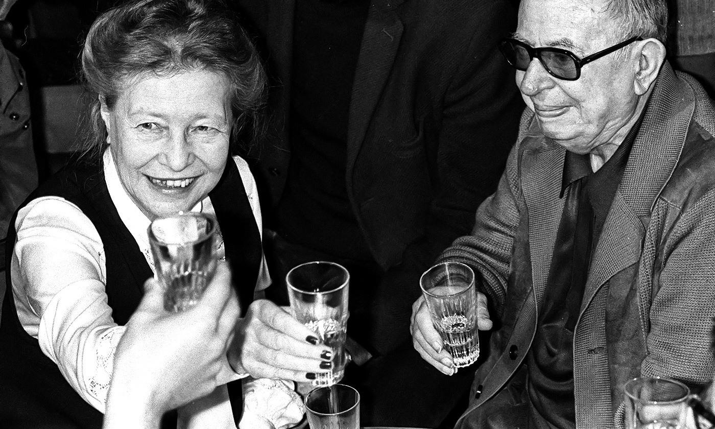 Simone de Beauvoir et Jean-Paul Sartre à Paris, juin 1977 - Crédit : STF/AFP/Getty Images