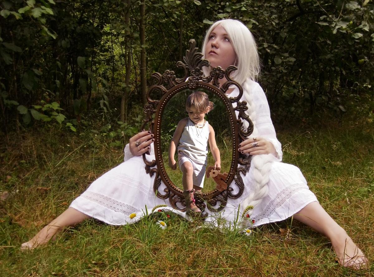 L'illéisme est le fait de parler de soi à la troisième personne. Considérée à tort comme une pratique infantile ou narcissique, en fait, elle pourrait nous rendre plus sage et moins émotionnels dans les épisodes difficiles de notre vie.