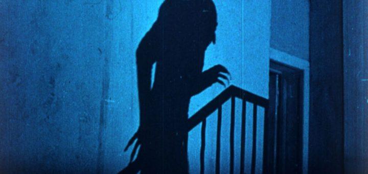 """La fin du mois d'octobre et début novembre nous donne l'occasion de fêter Halloween ou la Toussaint. Malgré le dédain de certains pour ces fêtes prétendumment """"commerciales"""", ces périodes sont propices pour nous interroger sur notre relation compliquée avec les revenants. Les morts ont toujours été parmi nous."""