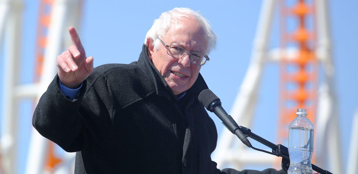 Alors que Bernie Sanders survole les sondages, un petit coup d'oeil dans le système de votes, par exemple, en Californie, nous montre un merdier orchestré de toutes pièces.