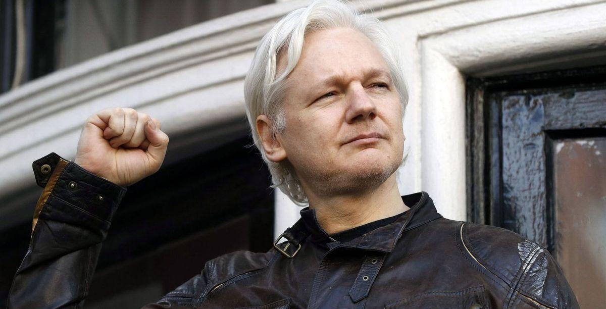 Julian Assange et son organisation, WikiLeaks, ont fait plus que n'importe quel média au monde, pour dénoncer la tyrannie et la saloperie de l'empire américain. Et maintenant, les puissances occidentales l'ont laissé tombé. Mais ce qu'Assange subit, nous le subirons tous un jour et nous le mériterons par notre inaction.