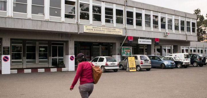 Madagascar ne sera pas épargné par le Coronavirus. Et la quarantaine et la fermeture des frontières est une bonne chose si le reste suit derrière. Et à cause du manque d'infrastructures, ce virus frappera le pays tôt ou tard.