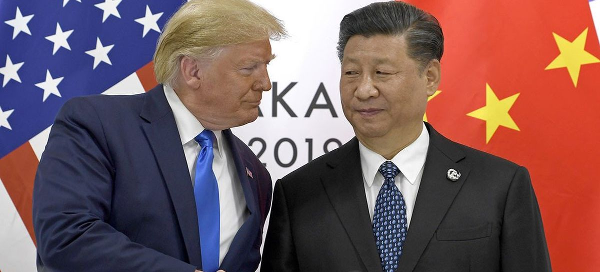 La crise du coronavirus nous permet de comprendre qui vient de gagner le trophée du leadership mondial et c'est Xi Jinping, le président chinois qui le remporte haut la main face à la stupidité et l'incompétence de Trump.