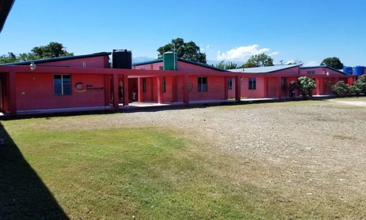 Une enquête du Guardian montre un véritable camp de l'enfer à Haiti. Une centaine de joueuses violées par Yves Jean-Bart, le président de la fédération de Football de Haiti, en toute impunité sous l'oeil bienveillant de la Fifa.