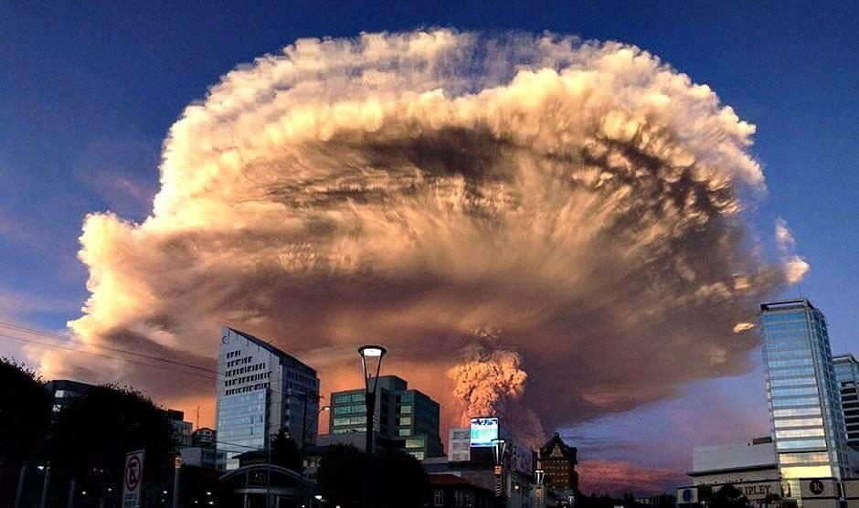 Photos : L'irruption spectaculaire du volcan Calbuco