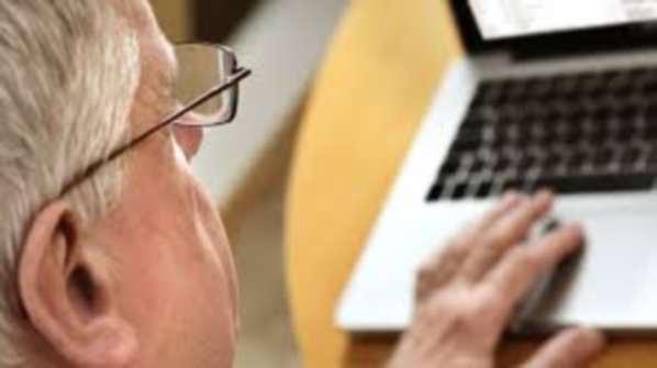 """Discrimination sur l'âge : """"Digital Natives"""" plutôt que """"Vieux con"""""""