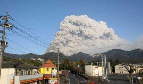Japon: Réveil spectaculaire d'un volcan – une île évacuée