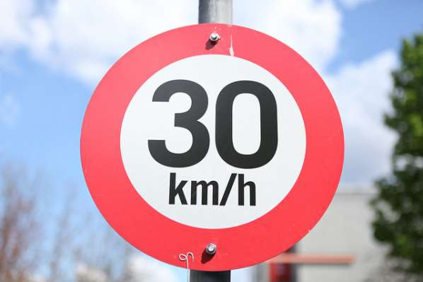 Circulation : d'ici la fin de l'année, un tiers de Paris sera limité à 30km/h