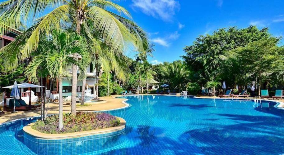 First Bungalow Beach Resort Samui